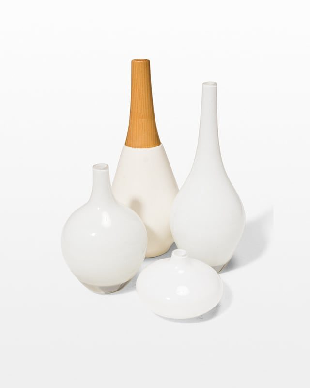 Front view of Flake Accent Vase Set