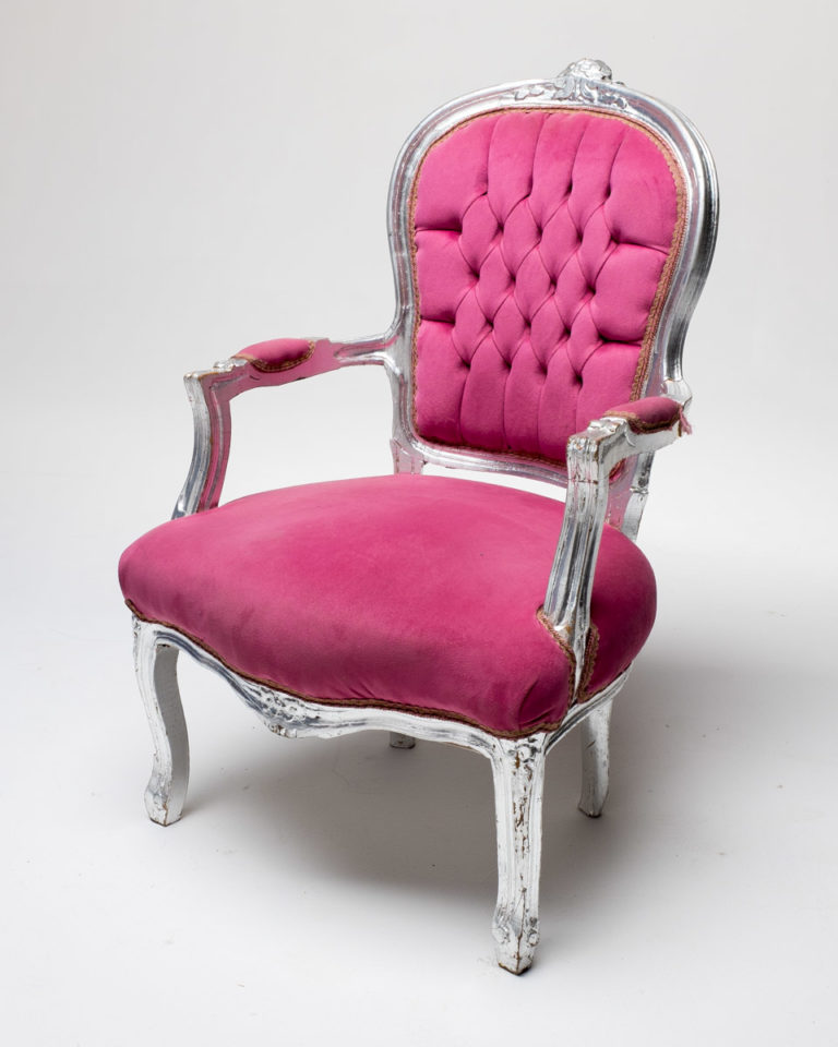 Front view of Pink Velvet Throne