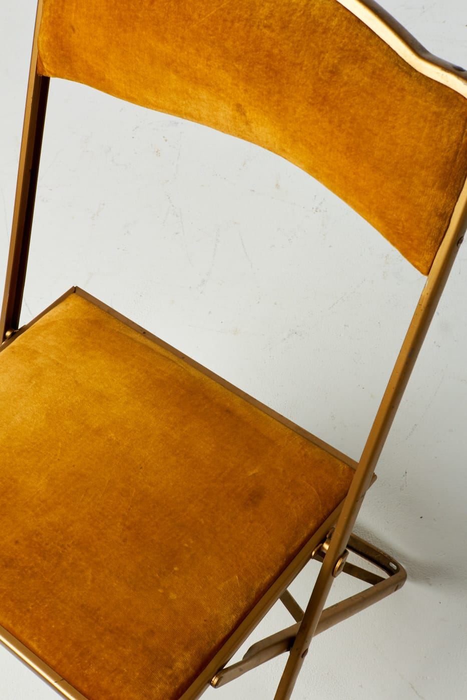 Ch111 Gold Velvet Folding Chair Prop Rental Acme Brooklyn