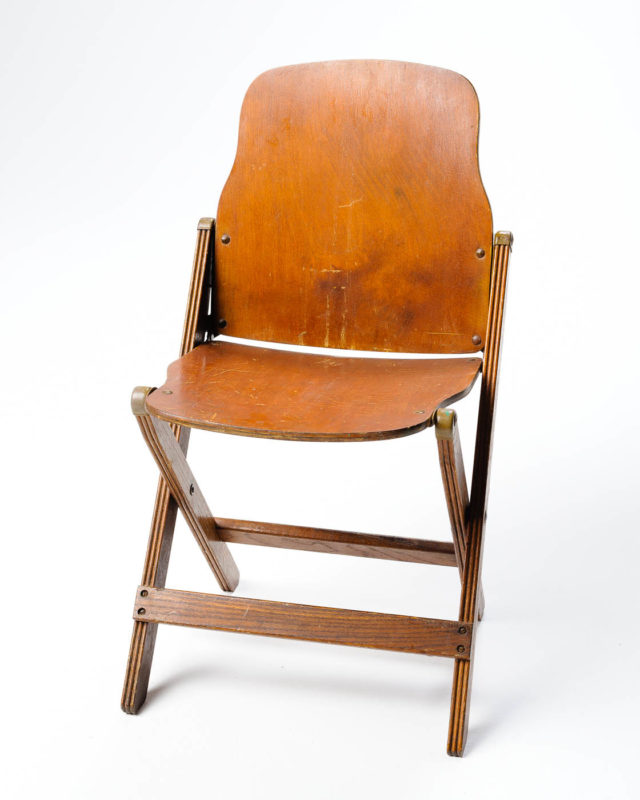 Front view of Wonder Folding Chair