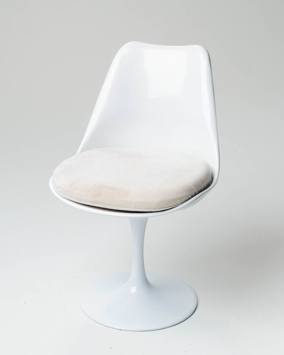 Front view of Hannah Tulip Chair