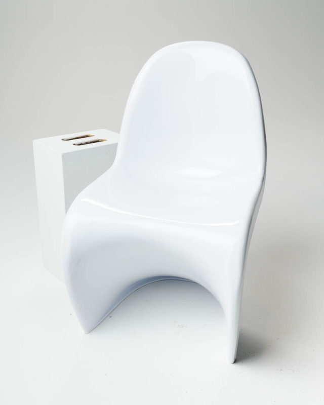 Front view of Casper Chair
