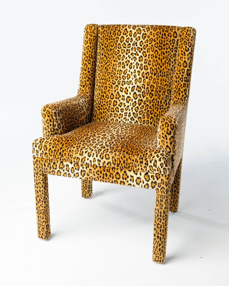 Front view of Santi Chair