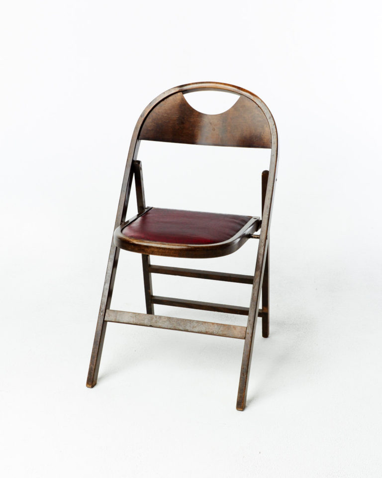 Front view of Switch Folding Chair