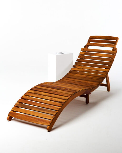 Front view of Playa Lounge Chair