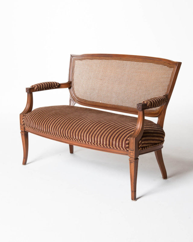 Front view of Lafayette Loveseat Bench