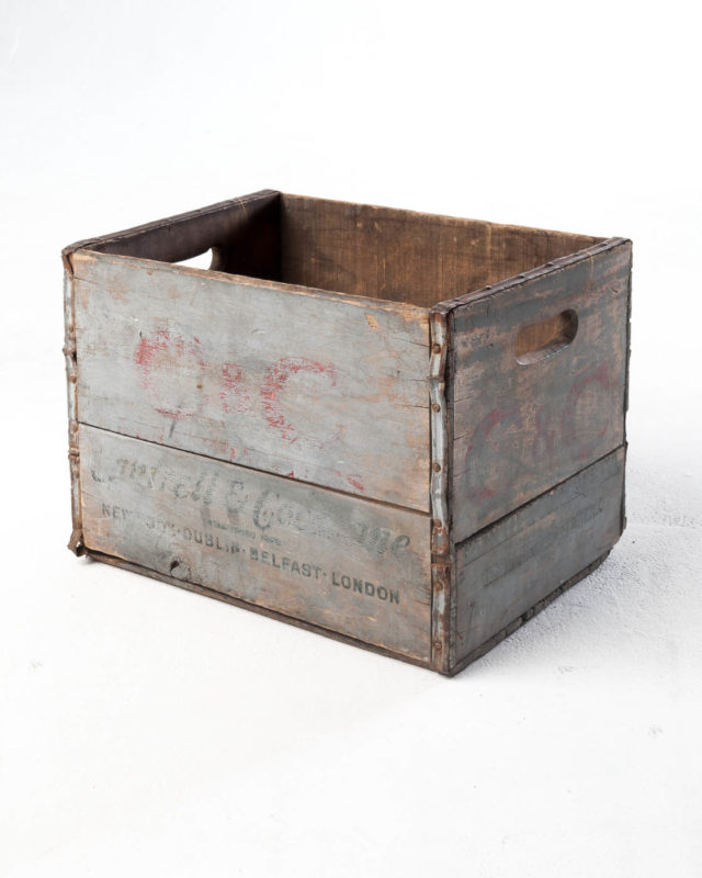 Front view of Belfast Crate