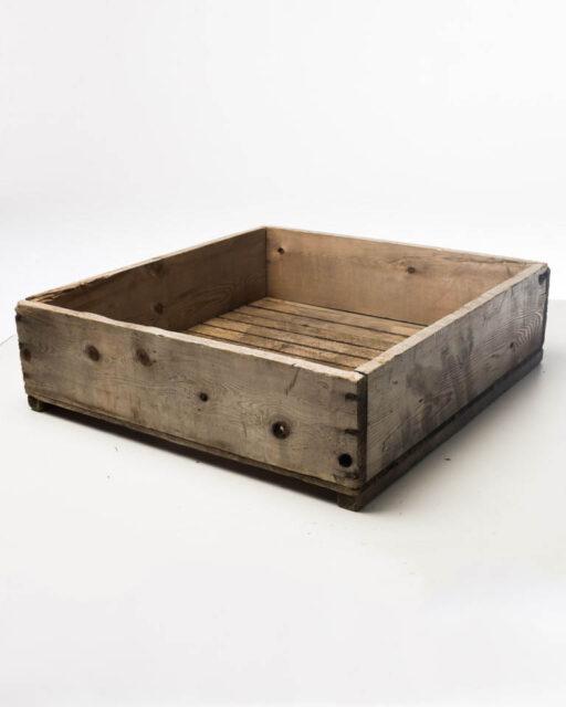 Front view of Apple Crate