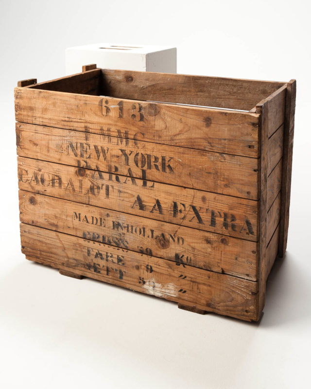 Front view of Holland Crate