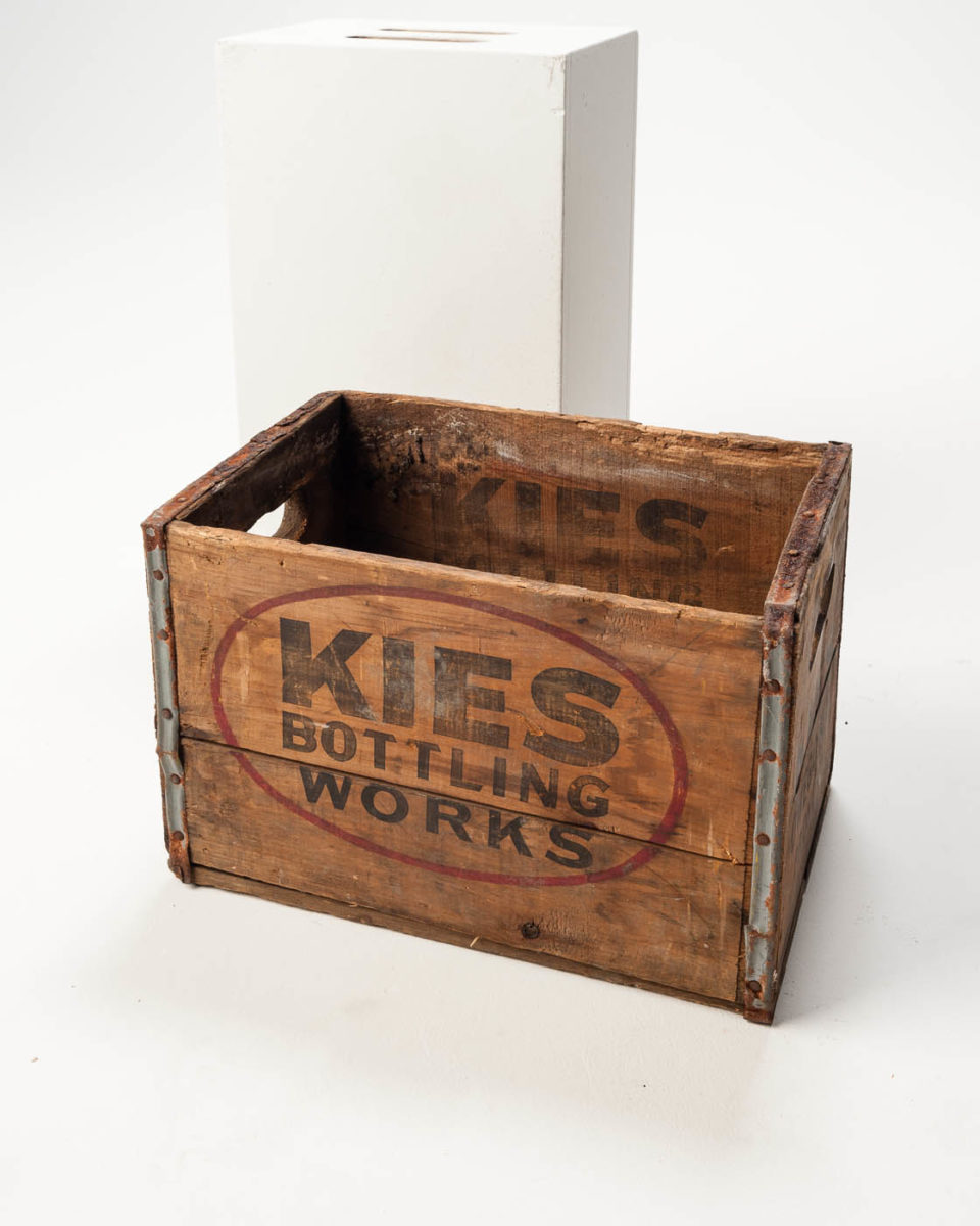 Front view of Fizz Crate