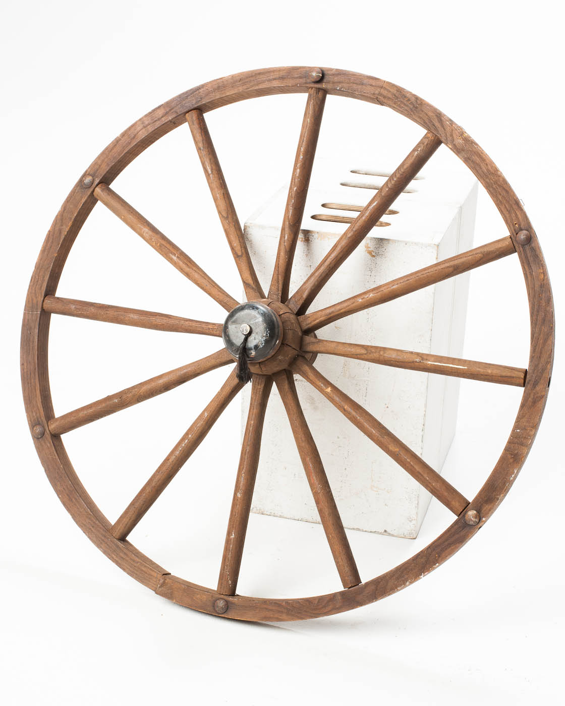 Fa118 Wooden Wagon Wheel Set Prop Rental Acme Brooklyn