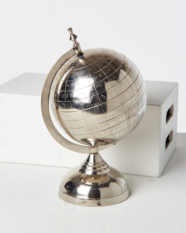 Front view of Steam Metal Globe