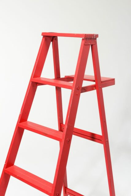Alternate view 3 of 5 1/2 Foot Cole Paintable Ladder