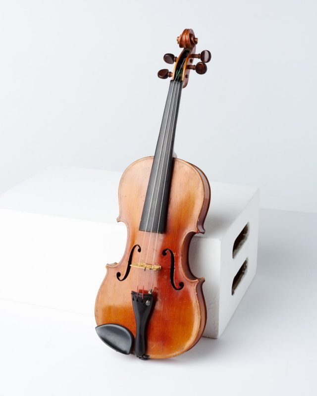 Front view of Harmonic Violin