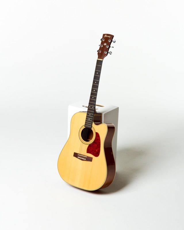 Front view of Albarn Accoustic Guitar