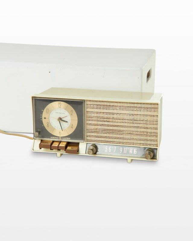 Front view of Wake Clock Radio