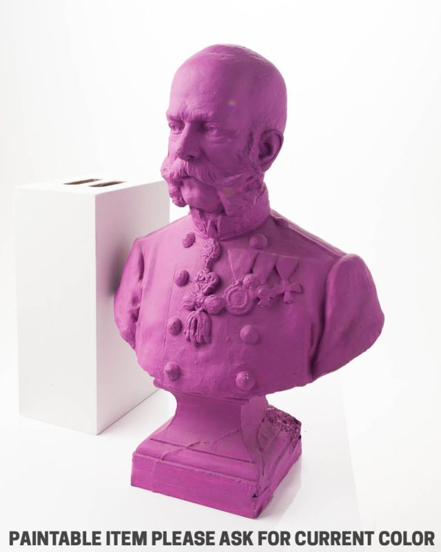 Front view of Paintable General Bust