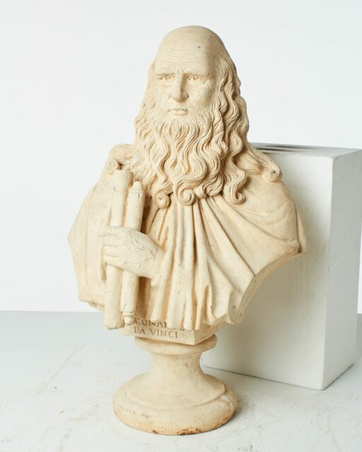 Front view of Da Vinci Bust