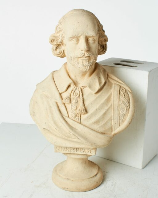 Front view of Shakespeare Bust