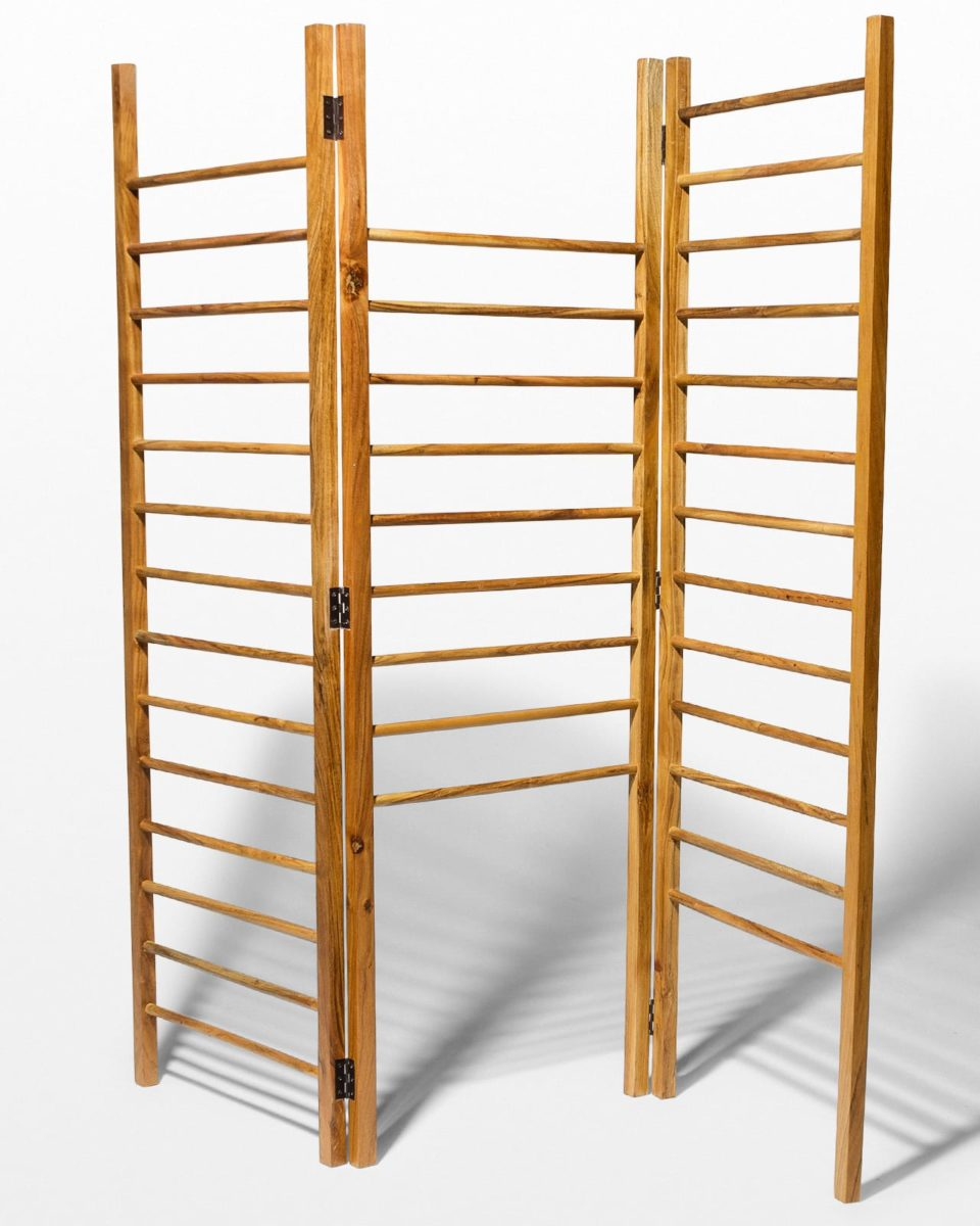 Front view of Paloma Ladder Storage Screen
