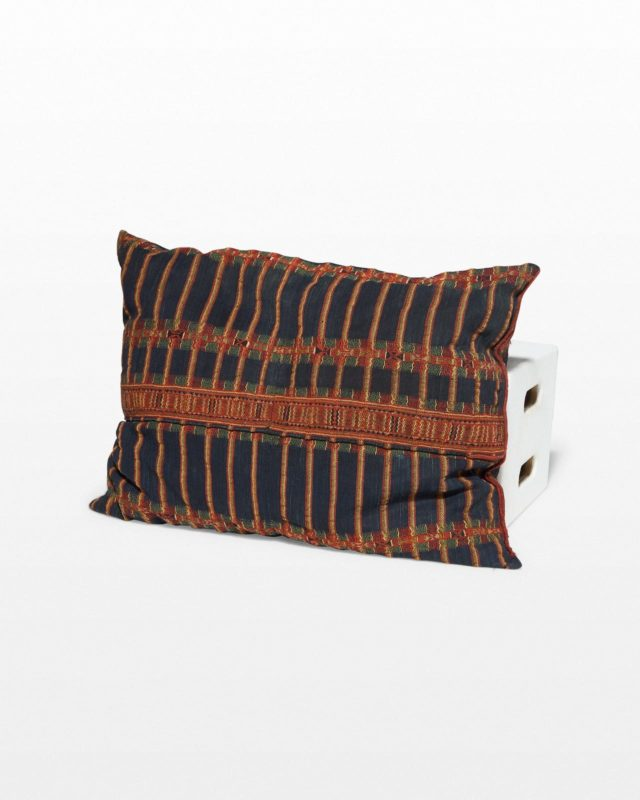 Front view of Bago Pillow
