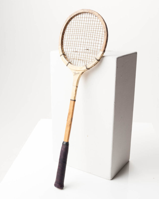 Front view of Feron Racket