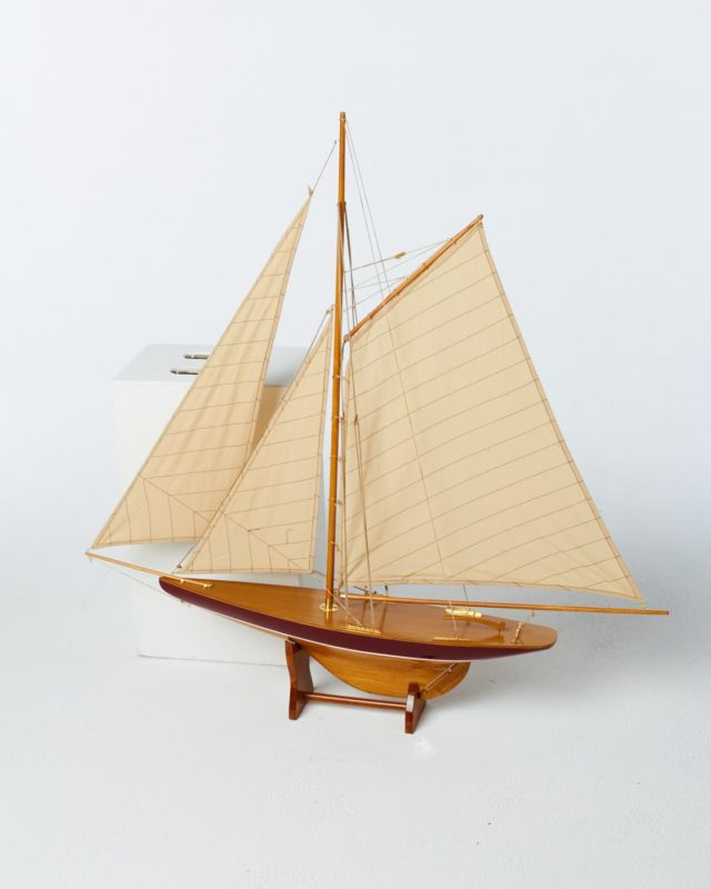 Front view of Remsen Yacht Model