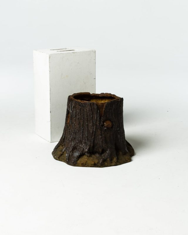 Front view of Tree Stump Planter