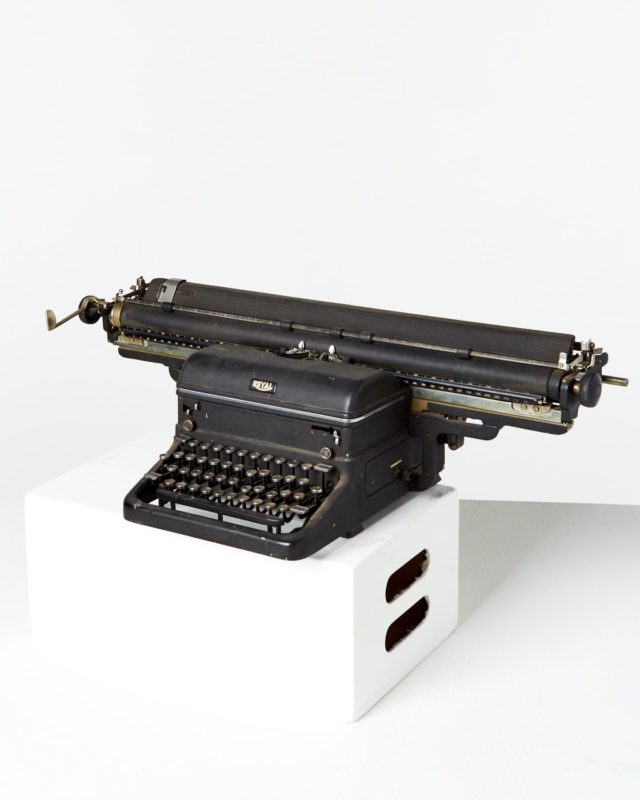 Front view of Hammond Typewriter
