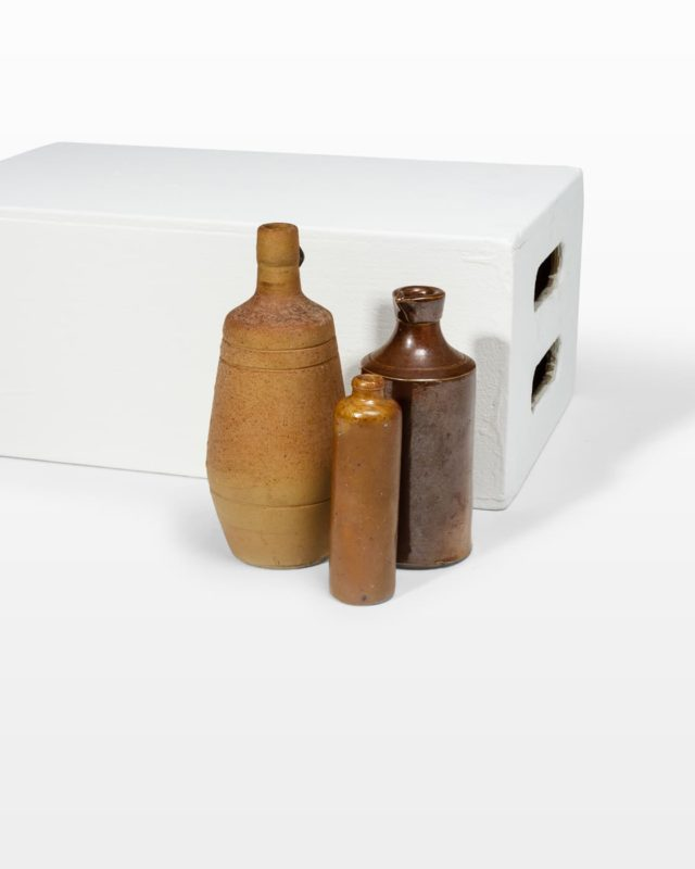 Front view of Clinton Bottle Set
