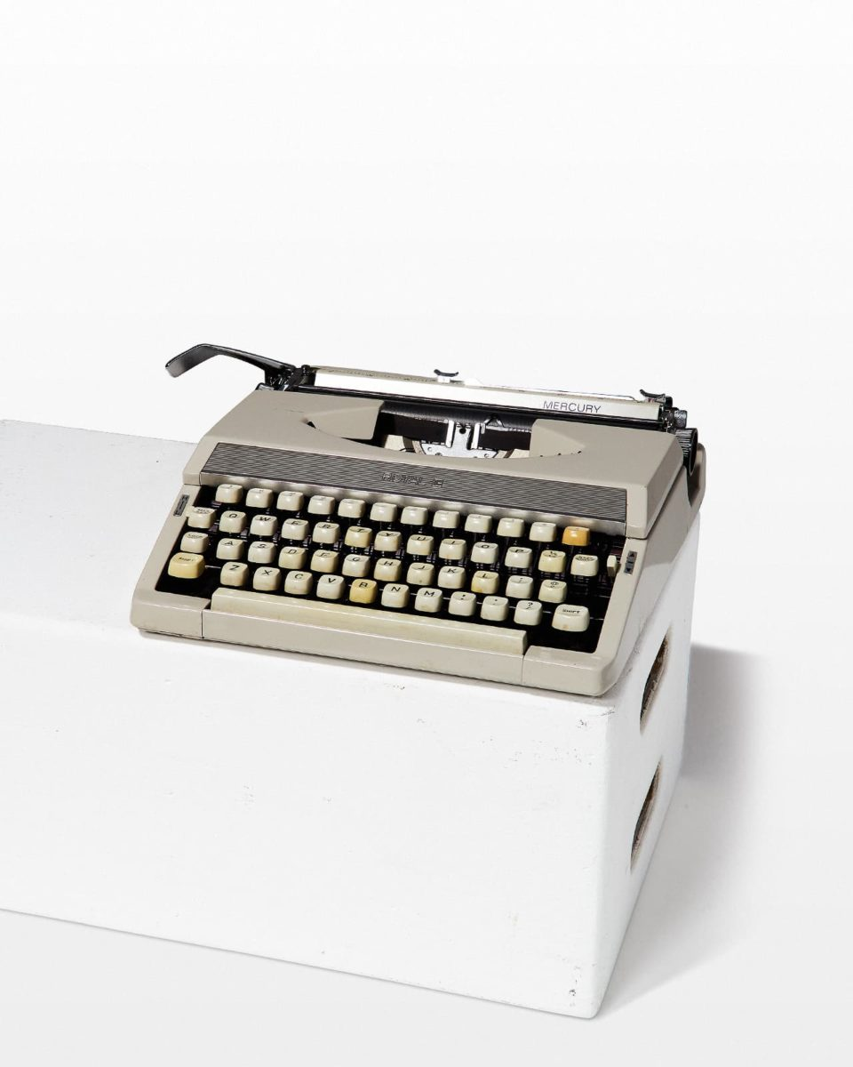 Front view of Mercury Typewriter