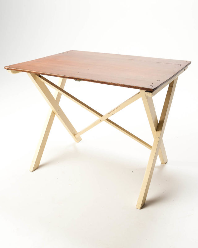 Front view of Hinge Collapsible Table