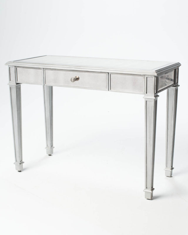 Front view of Garbo Mirrored Table