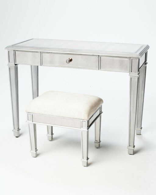 Front view of Garbo Mirrored Table with Seat