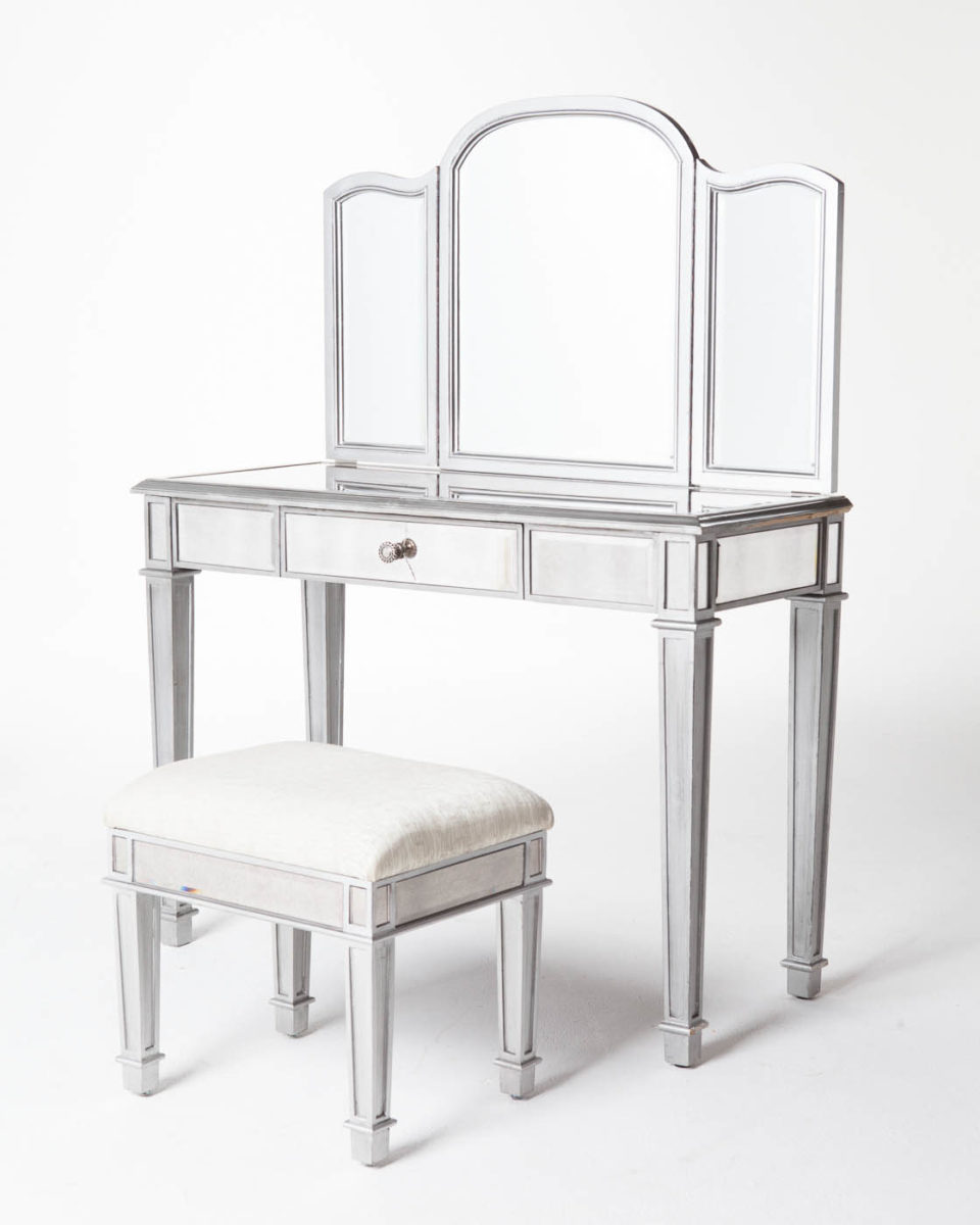 Front view of Garbo Mirrored Vanity with Tri-Part Mirror