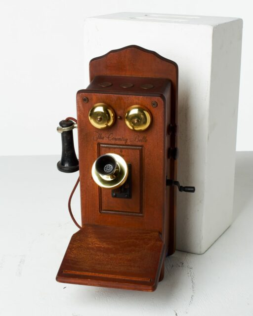 Front view of Country Belle Phone