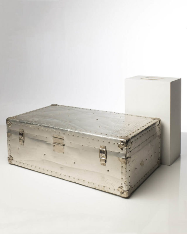 Front view of Aluminum Trunk