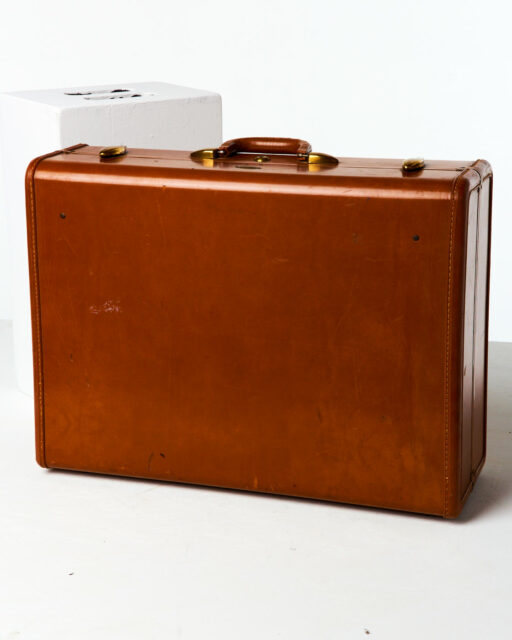 Front view of Large Cousteau Luggage