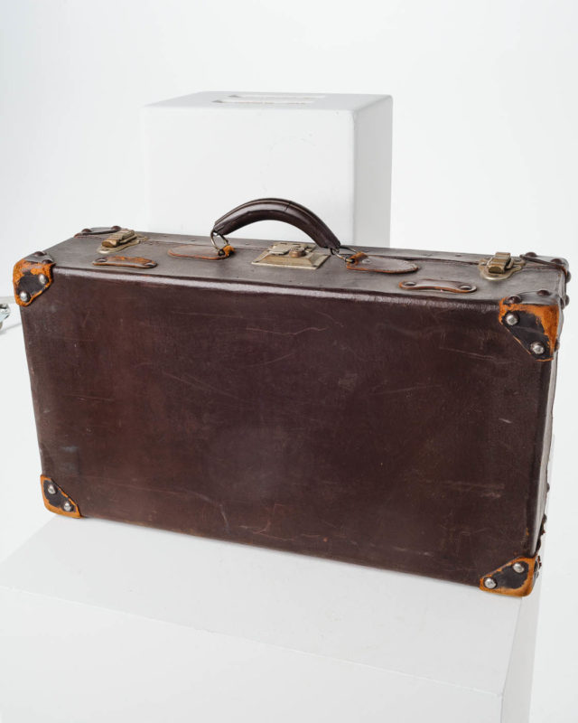 Front view of Earle Luggage