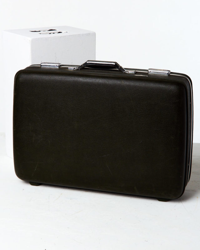 Front view of Gamboa Suitcase