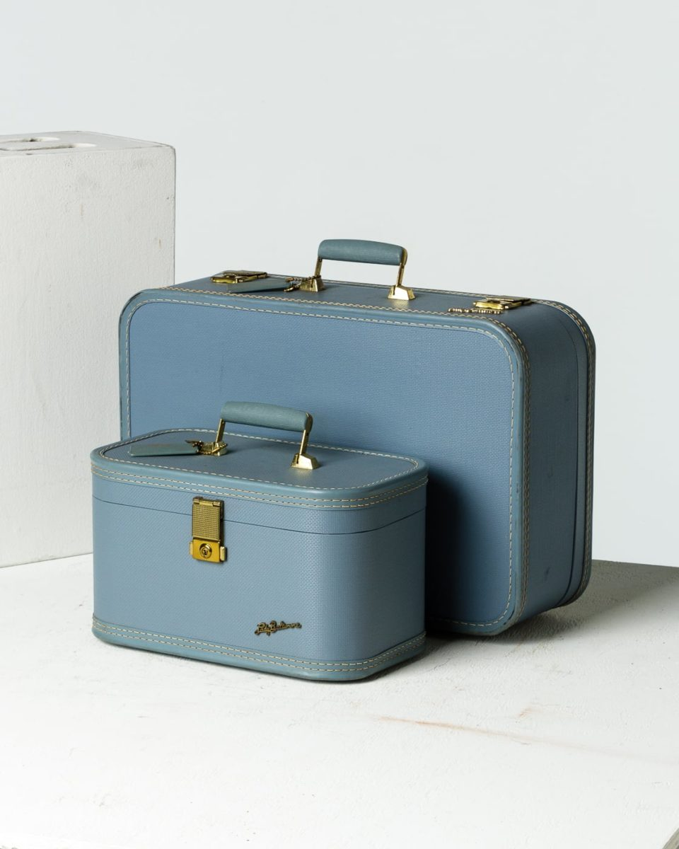 Front view of Adler Luggage Set