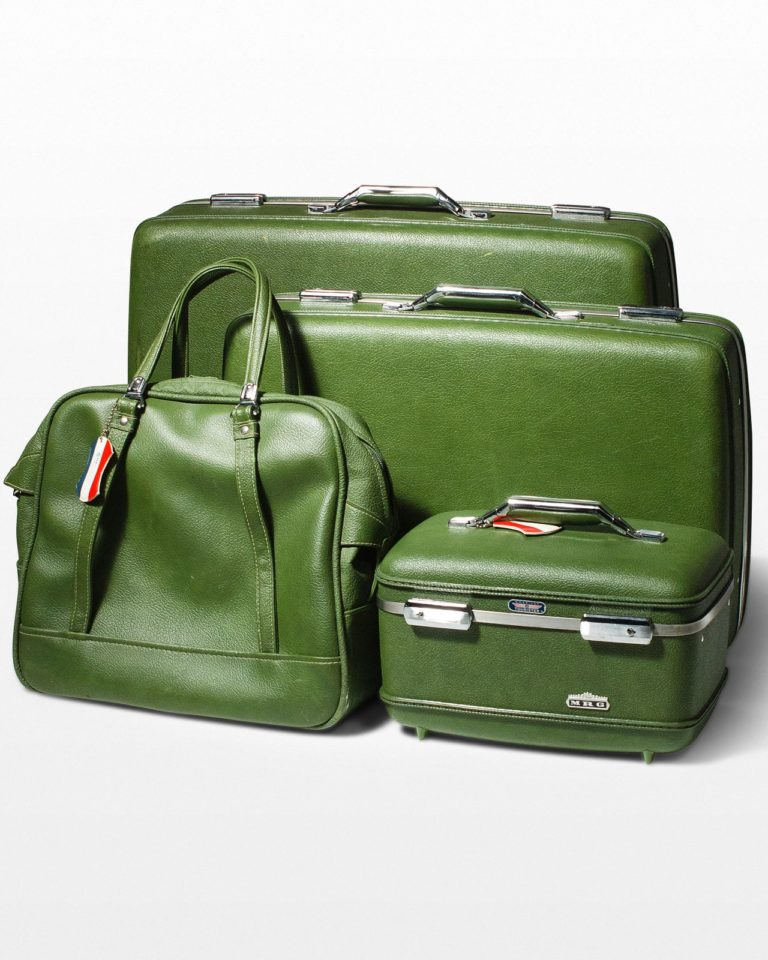 Front view of Avia Luggage Set