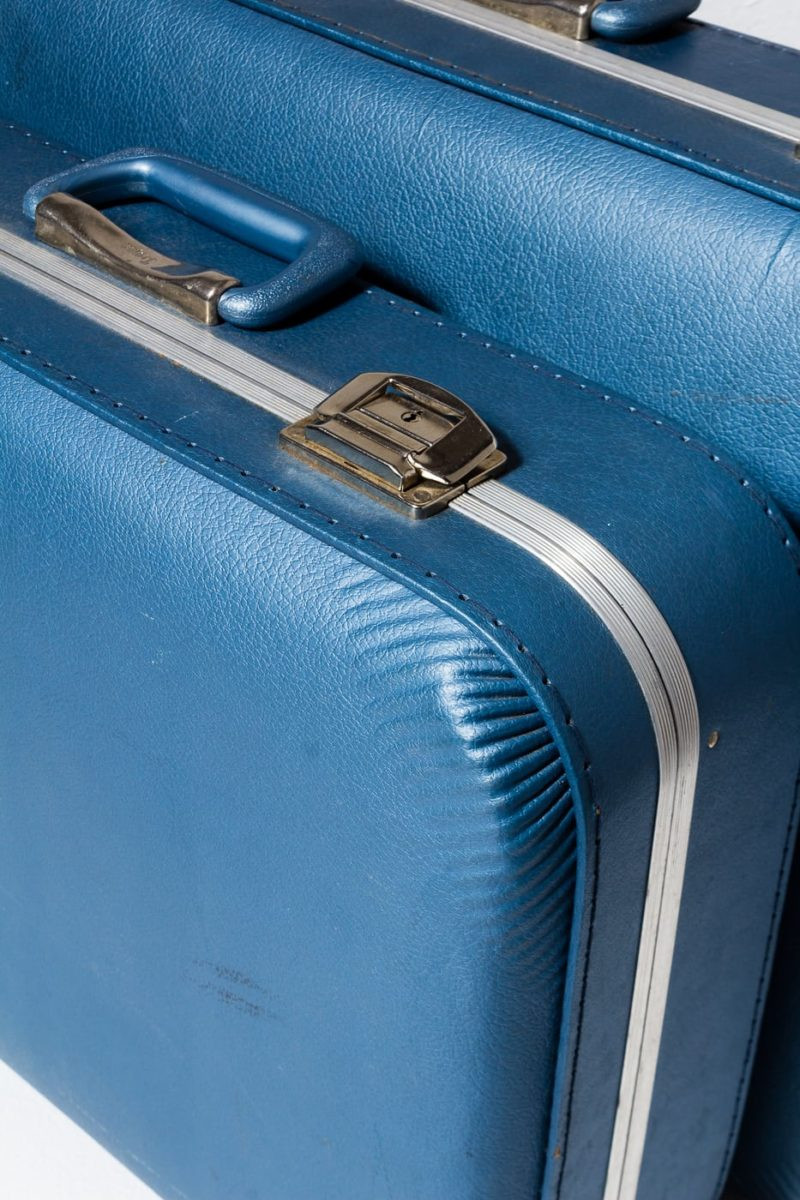 Alternate view 3 of Barclay Blue Luggage Set