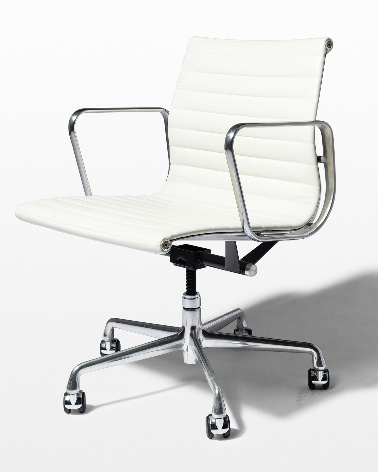 CH562 Dennis White Leather Rolling Chair