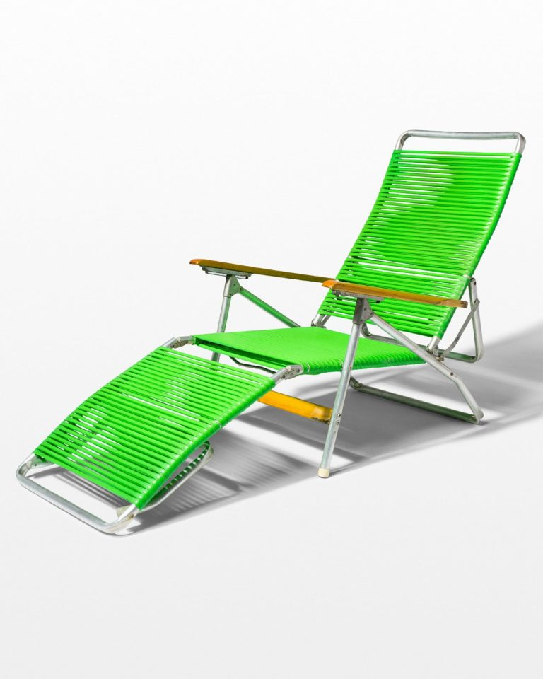 Front view of Sullivan Green Beach Chair
