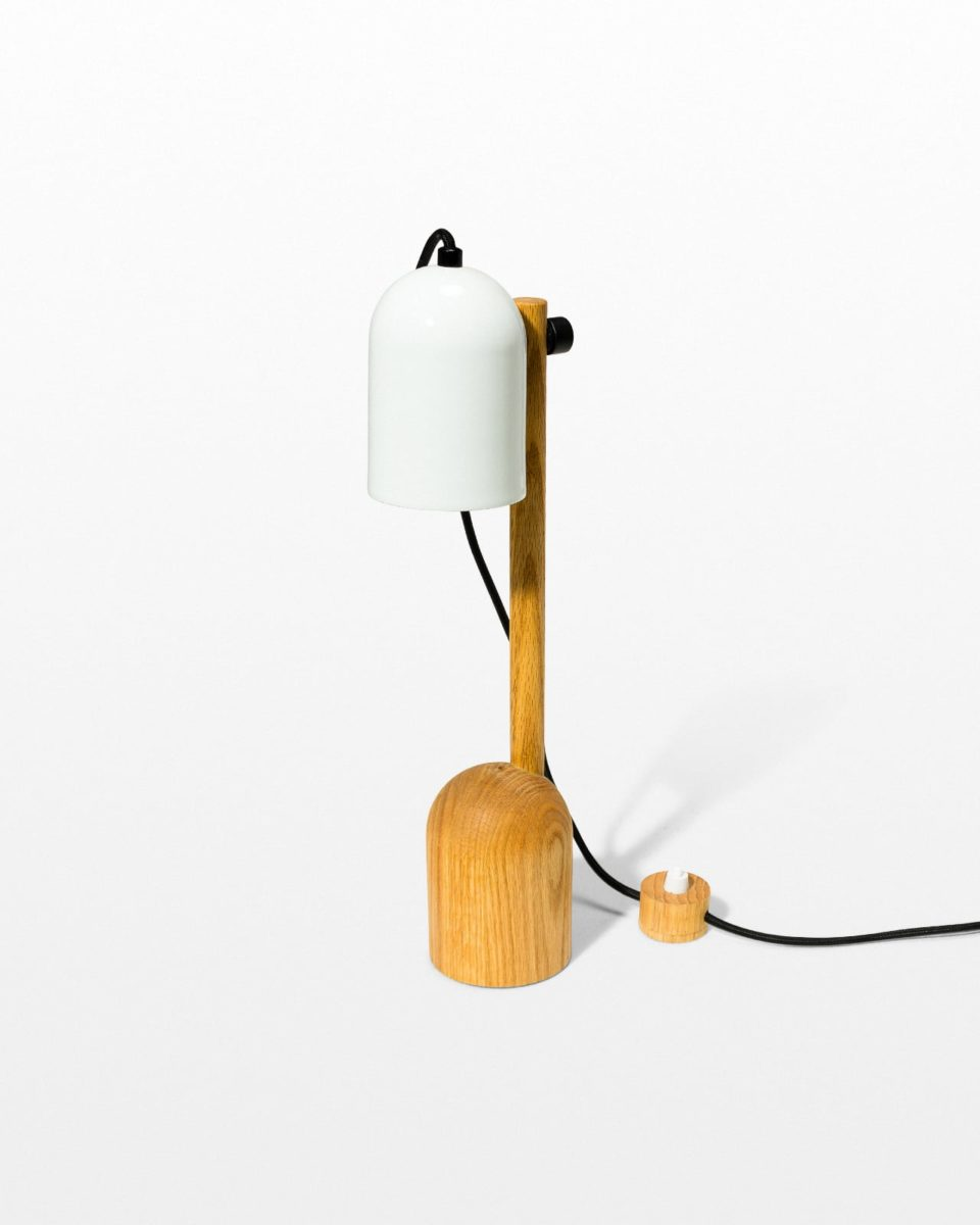 Front view of Len Lamp