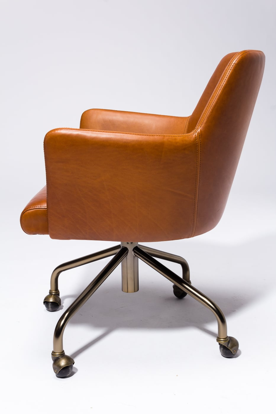 Magnificent Ch620 Byrd Leather Rolling Desk Chair Prop Rental Acme Short Links Chair Design For Home Short Linksinfo