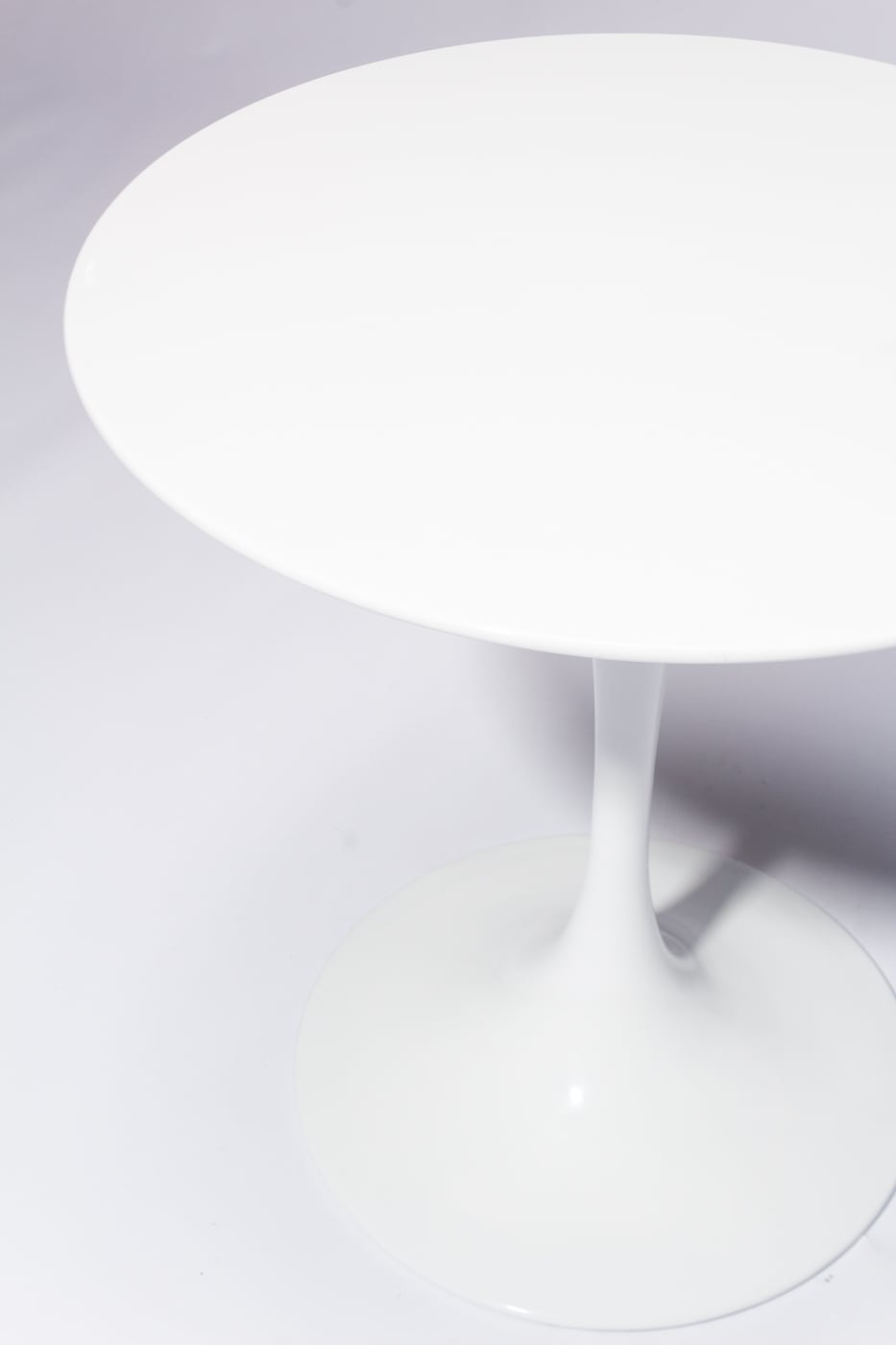 Tb185 Anders 28 Quot Round Tulip Table Prop Rental Acme Brooklyn