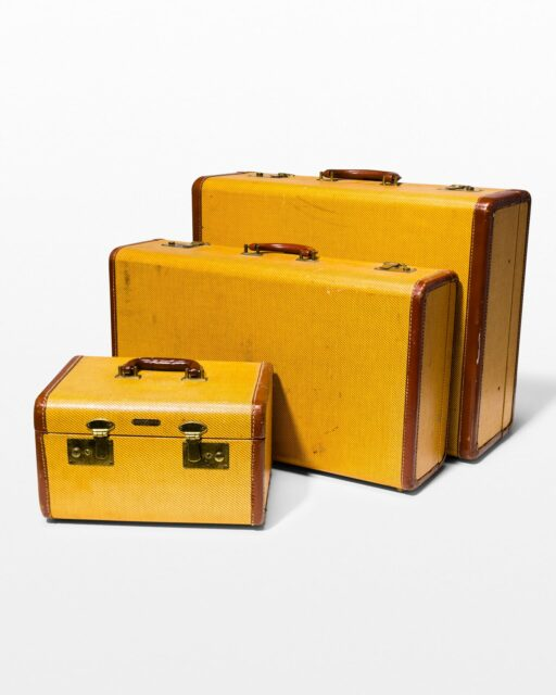 Front view of Boone Luggage Set