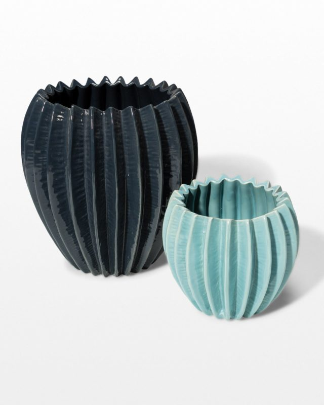 Front view of Corrugated Ceramic Vase Set